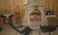 Усадьба «Лолуа», камин в гостевом доме