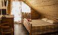 Усадьба Домик в пуще Дом №1 Уютные спальни.