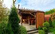 Отдельные домики от 2 до 10 человек, камин, баня, бассейн.