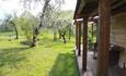 Дом с китайской беседкой. Сад весной