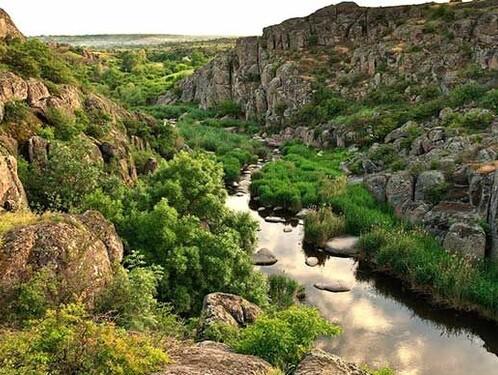 Величественные каньоны степи