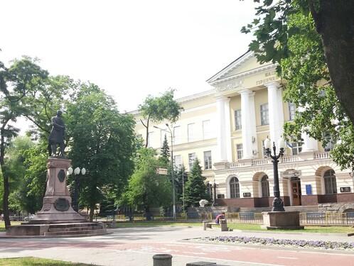 Соборная площадь: начало истории города на Днепре