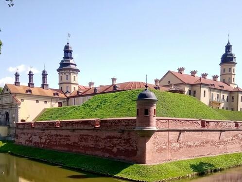 По Несвижскому замку Радзивиллов...