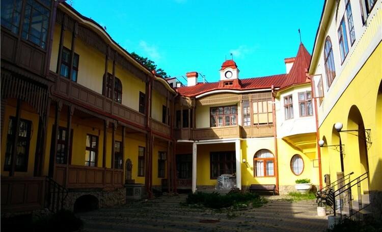 Черновцы наизнанку: переулки и дворики старого города