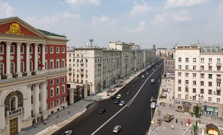 Путешествие по одной из центральных артерий Москвы