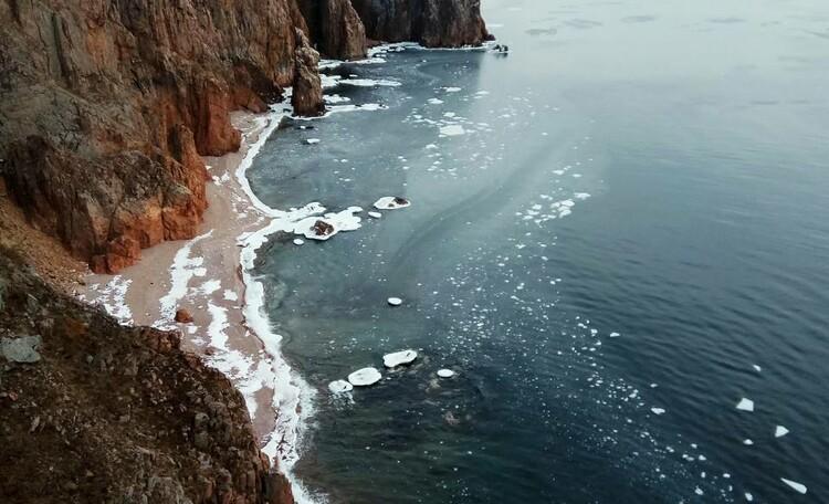 Удивительные красные пляжи о. Шкота и форт №9