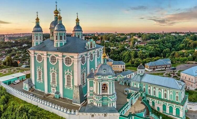 Смоленск – город древний, город вечно молодой