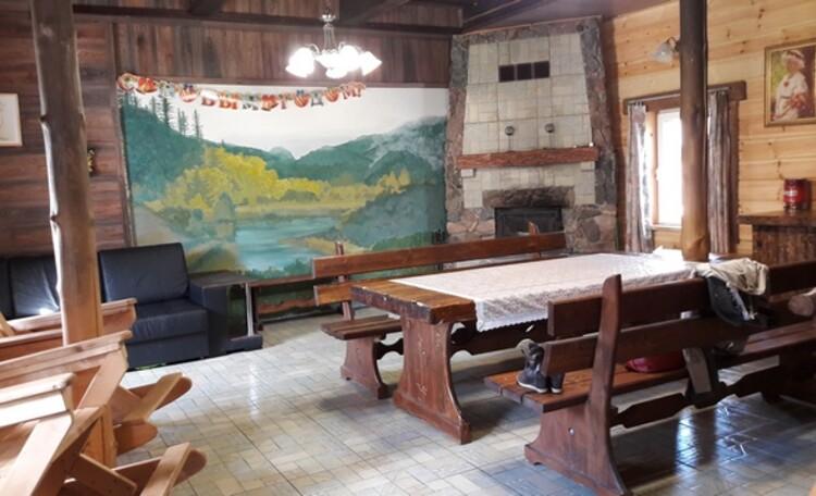 Гостиная в доме Раздолье
