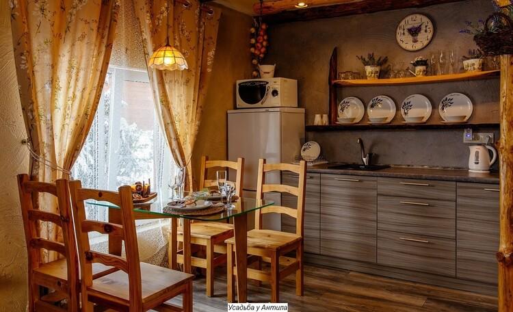 Отдельные домики от 2 до 10 человек, камин,  беседки, бассейн, баня., Домик студия на 3 человека