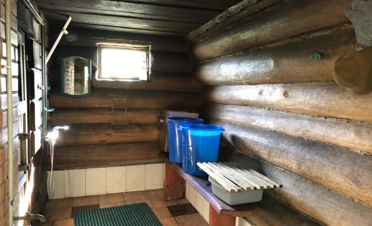 Агроусадьба «Узлянка» БАННЫЙ комплекс, Горячий душ в Бане по-черному
