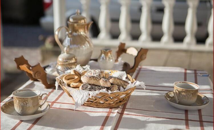 Vladimirskaya farmstead, чай на террасе
