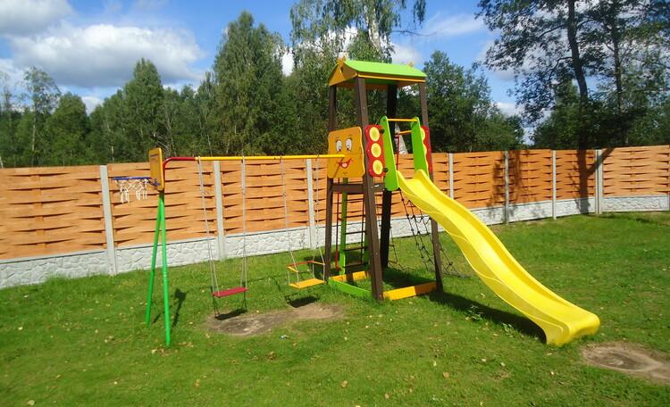 Домик охотника «Борисовский опытный лесхоз», детская площадка