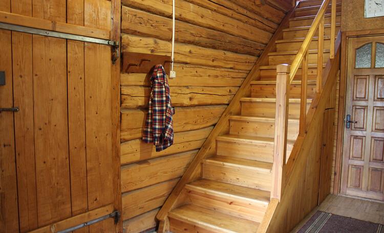 Усадьба «Богино», Лестница на второй этаж большого дома