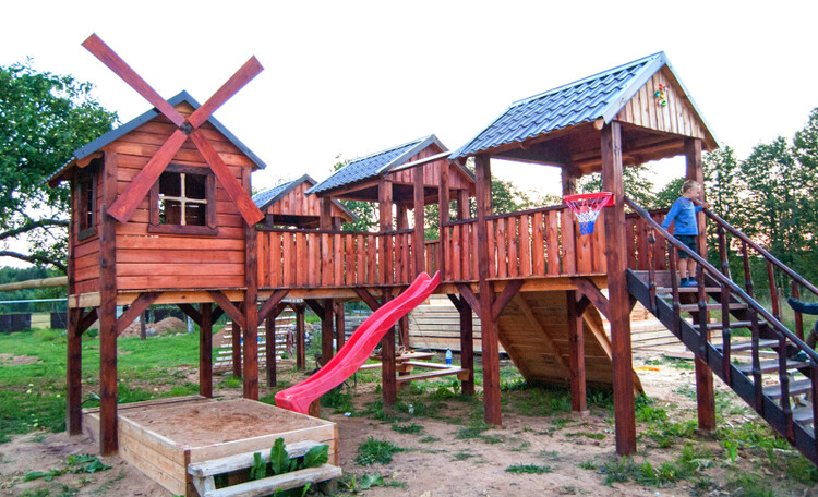 "Homestead ""Sosnovyiy Gai"" (""Pine grove""), Детская площадка"