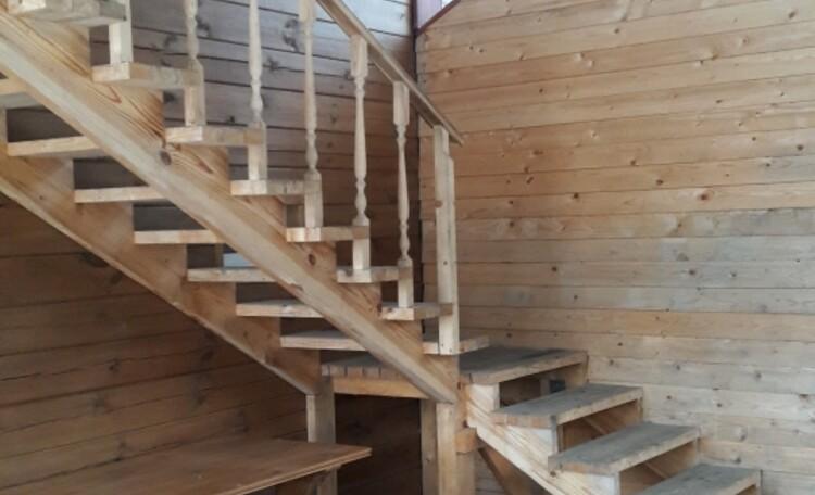 Панский куток, Лестница на второй этаж