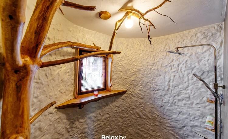 Домик под Минском с камином- бассейном-баней, купель-квадроциклы , Дом на 10 человек душ