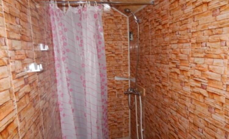 Агроусадьба «Сонная лощина», Горячий душ в летнем домике - это плюс!!!