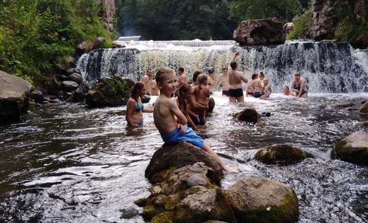 Агроусадьба «Ирина», Водопад на реке Вята (21км.от усадьбы)