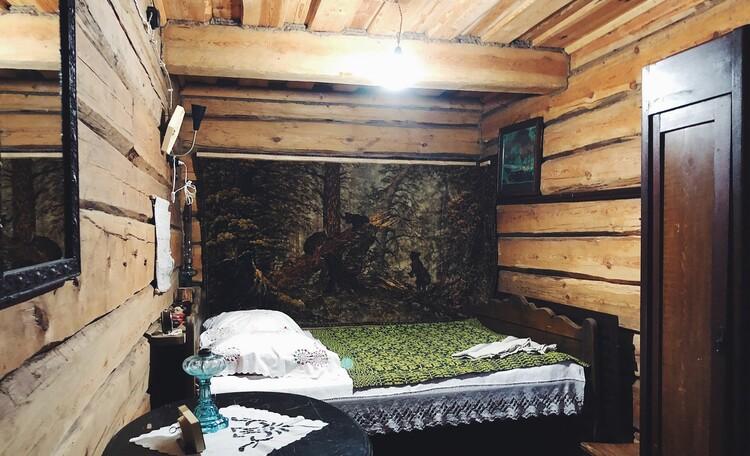 Голубые озера усадьба Трабутишки, Большой дом, спальная комната, интерьер.