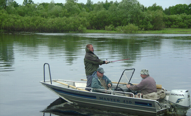 На берегу Березинская рыбалка