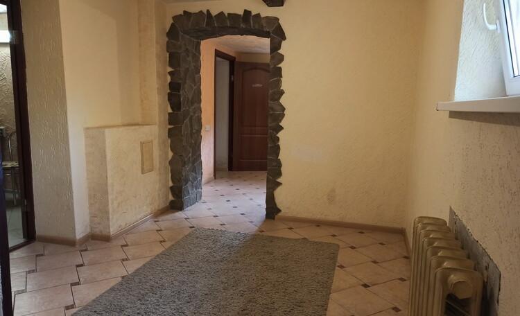 Отдельные домики от 2 до 10 человек, камин,  беседки, бассейн, баня., Дом для семьи на 3 человека