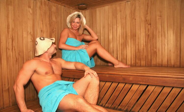 Видео ебли зрелой бабы с парнем в бане #5