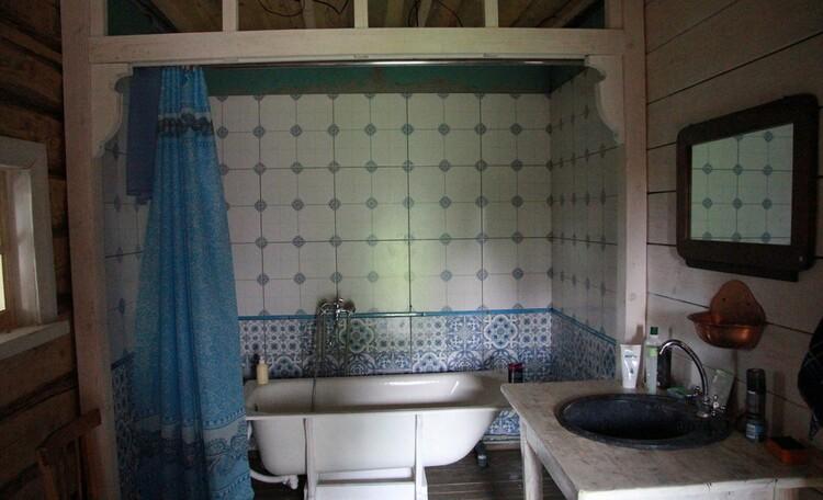 Агроусадьба «Арт-деревня Каптаруны», Дом у пруда. Ванная комната