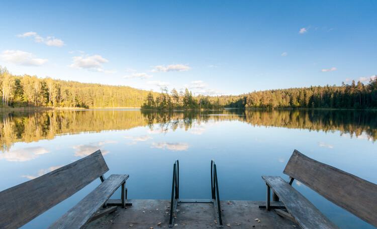 Голубые озера домик в лесу. Нарочанский край, Озеро Глубелька осенью