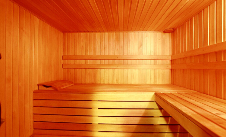 Отдельные домики от 2 до 10 человек, камин, баня, бассейн, циммеры, шале, бунгало.