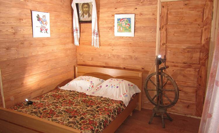Усадьба «Востриковка». Дом №2. Отдельная комната с выходом к озеру