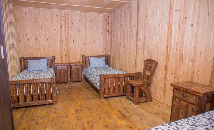 Домик охотника «Борисовский опытный лесхоз», комната гостевого домика