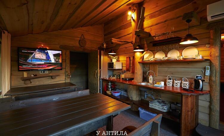 Домики  под Минском бассейн баня рыбалка квадроциклы , Домик у пруда с 2 спальнями и баней
