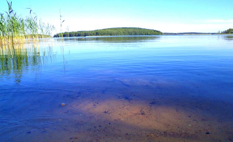 Коттедж на самом берегу озера!