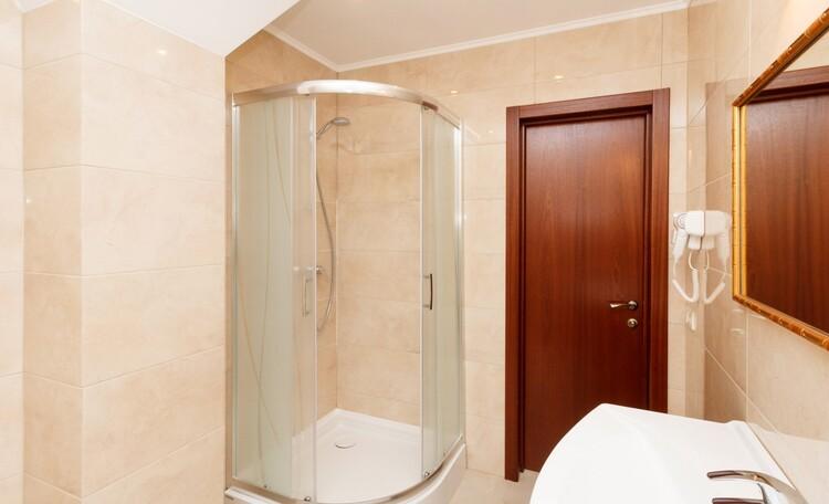 Braslav Lakes Hotel, ОДИН ИЗ ВАРИАНТОВ ВАННОЙ КОМНАТЫ В НОМЕРАХ