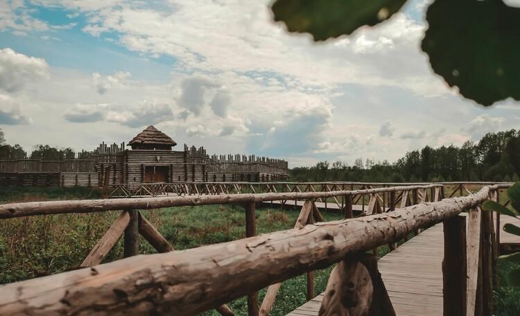 Агроусадьба «Пущанский дворик», Археологический музей под открытым небом (в 1,5 км от усадьбы)