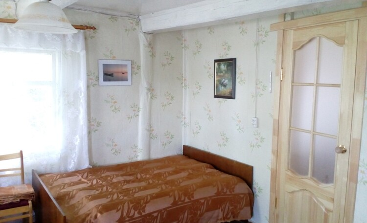 "Рай рыбака озеро Свирь ""Набережная"" усадьба, спальня 3 кровати"