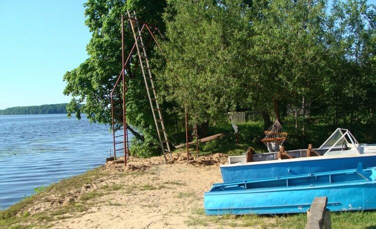 Агроусадьба «Песчаный берег» , Территория (лодки для катания)