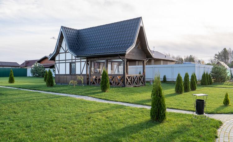 Уютный домик-студия на 4 человека с большой террасой.