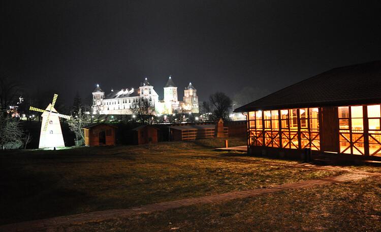 "Estate ""Zamkovoe predmestie"" (""Castle suburb""), Усадьба «Замковое предместье» недалеко от Мирского замка"