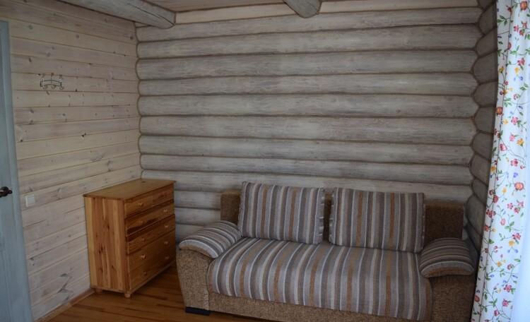 Усадьба «Chill.by», спальня первого этажа.диван раскладывается