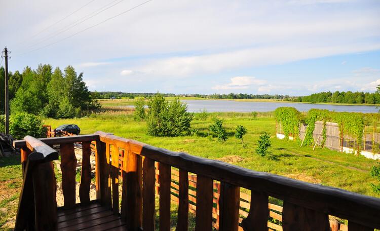 Агроусадьба «Войсо», вид на озеро с балкона бани