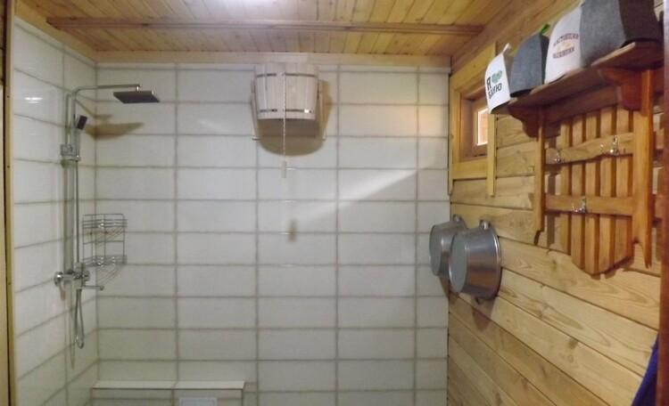 моечная с горячей и холодной водой