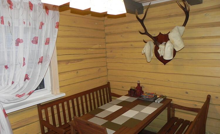 Комната отдыха в загородной бане в усадьбе Березинская мечта