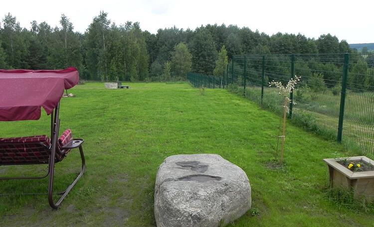 Территория усадьбы Березинская мечта. Аренда дома на сутки в Белоруссии