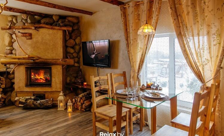 Домики под Минском с камином бассейн баня  квадроциклы игровые площадки  , Семейное бунгало  обеденный стол