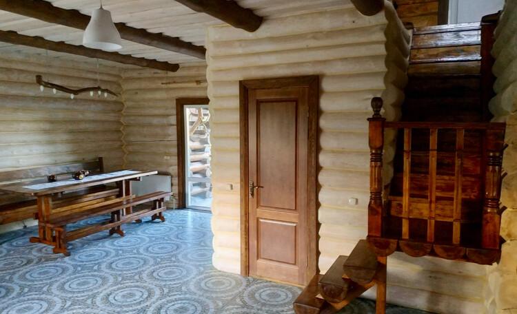 Усадьба «Сосновый дом», Лестница ведущая в спальню на втором этаже.