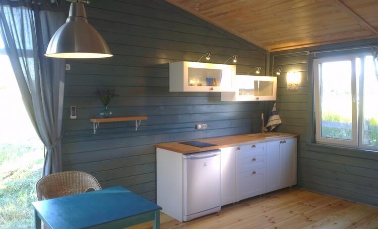 """Eco homestead """"Iznachalnoe"""", Кухня со встроенным холодильником и электроплитой"""