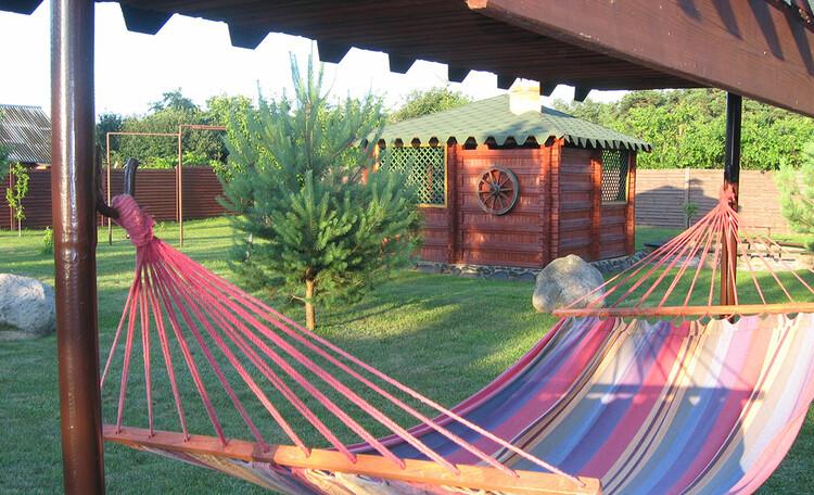 У Бондара на Загрэблі, Большая и озеленённая территория усадьбы позволяет отдохнуть от городской суеты