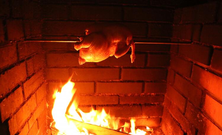 Усадьба «Terrassa», Курочка на вертеле - это всегда празднично и вкусно!