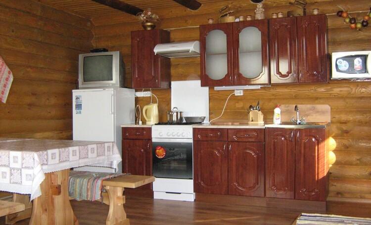 "Farmstead ""Belye Rosy"" (""White Dew""), Кухня-гостиная"